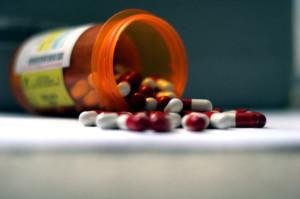 лекарства должен назначать только врач