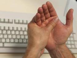 боли в руках - важные симптомы болезни