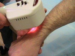 в период ремиссии артрита полезна физиотерапия