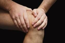 Причины болей в колене: какие болезни ее вызывают?