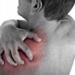 Плечелопаточный периартрит: какими симптомами проявляется это болезнь?