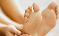 боли в пятке могут быть симптомами самых разных болезней