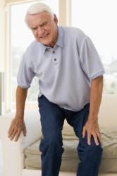 боли в костях и позвоночнике - главный признак появления остеопороза