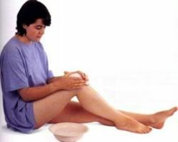 холодный компресс на коленный сустав