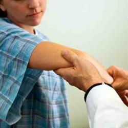 артрит локтя может быть вызван 6-ю причинами