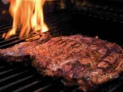 мясо, приготовленное на гриле, при артрозе есть не рекомендуется