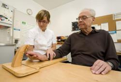 Полезные приспособления для больных артрозом и артритом (фото)