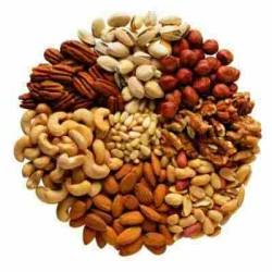 орехи и сухофрукты не только вкусные, но и полезные