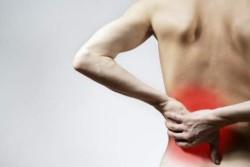 приступ острой боли в области поясницы развивается внезапно