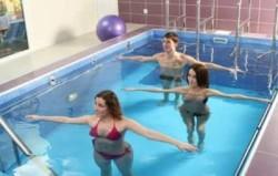 Заниматься в бассейне ЛФК