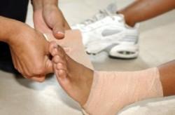 Оказание первой помощи при травме ноги