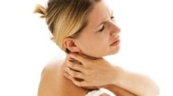 Болит шея при приступе остеохондроза