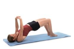 Упражнениями можно исправить осанку