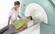 Магнитно резонансная томография: что это за исследование и где его пройти
