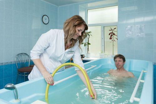 Важная часть лечения позвоночника и суставов в санатории - это бишофитные ванны и йодобромные ванны